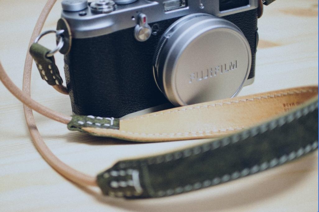 カメラアクセサリーの買取販売ならライフスタイルギャラリーまで/LINE査定してますよ