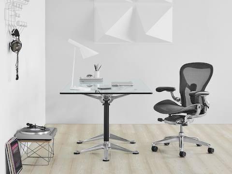 HermanMiller (ハーマンミラー)社製家具の買取販売ならライフスタイルギャラリーまで/LINE査定してますよ