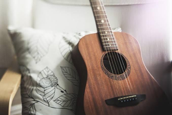 アコースティックギターの買取販売ならライフスタイルギャラリーまで/LINE査定してますよ