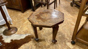ビンテージ 木彫サイドテーブル